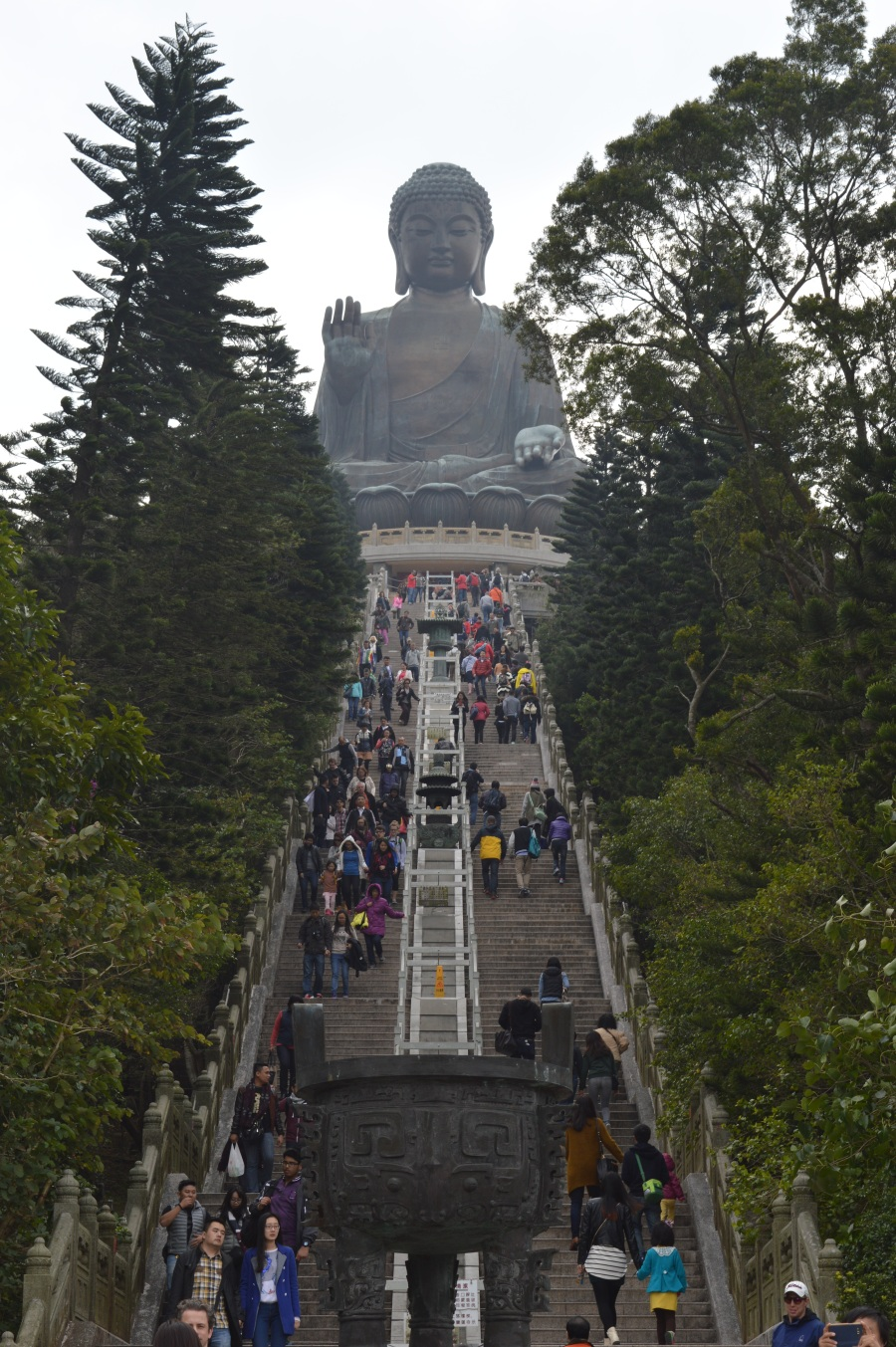 The ascent to the Tian Tan Buddha
